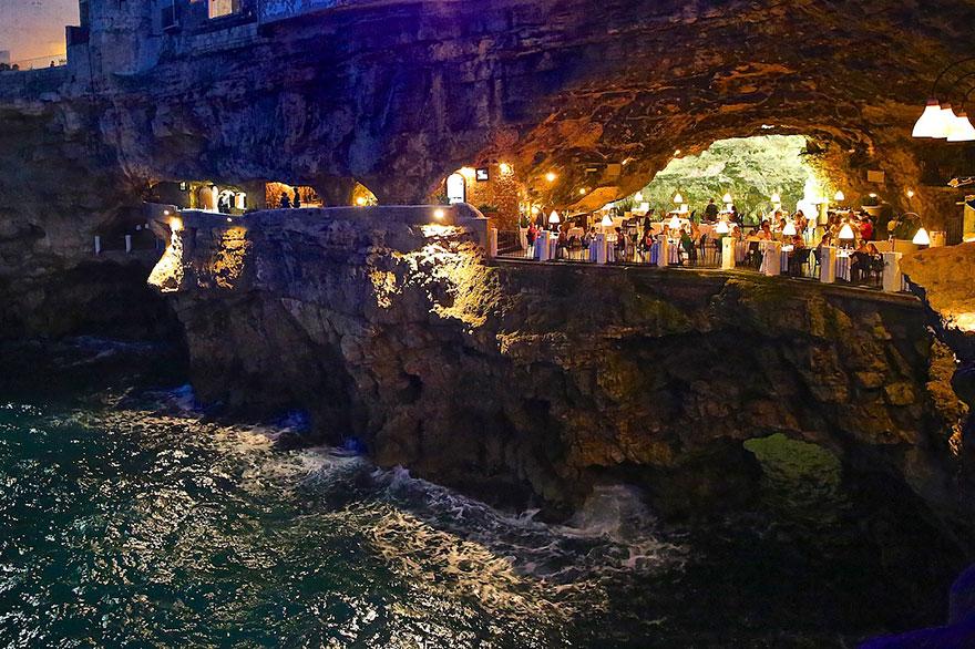 La grotta al tramonto