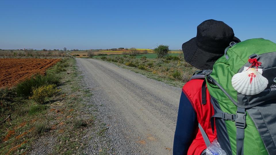 Pellegrino in viaggio verso Santiago