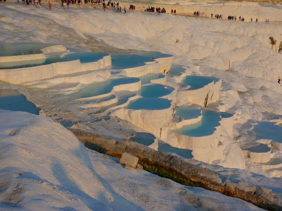 Le vasche di acqua termale di Pamukkale