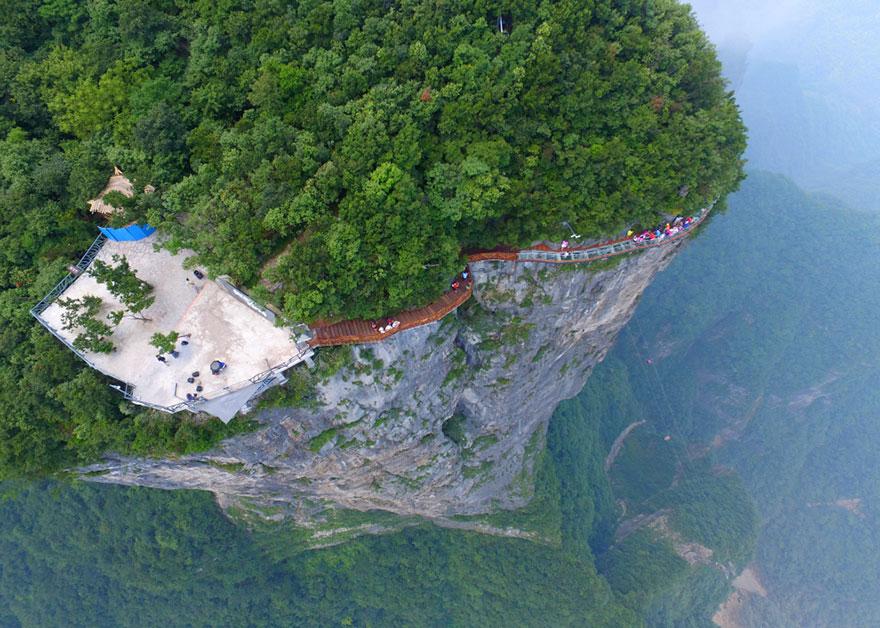 300 metri sopra al vuoto