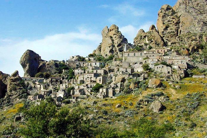 Il borgo di Pentedattilo