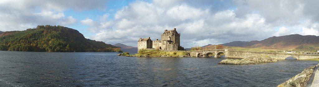 Loch Duich con il Castello di Donan
