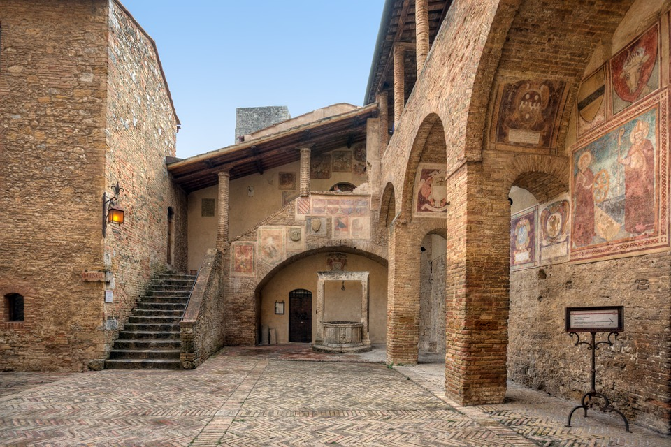 Affreschi a San Gimignano