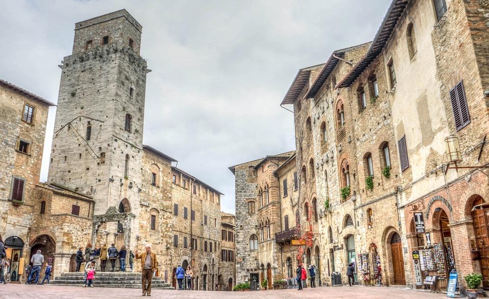 La piazza di San Gimignano